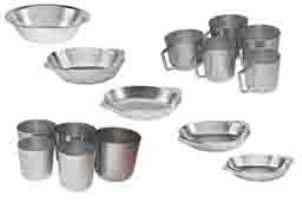 Алюмінієві тарілки, кухлі та стакани . Каменец-Подольский