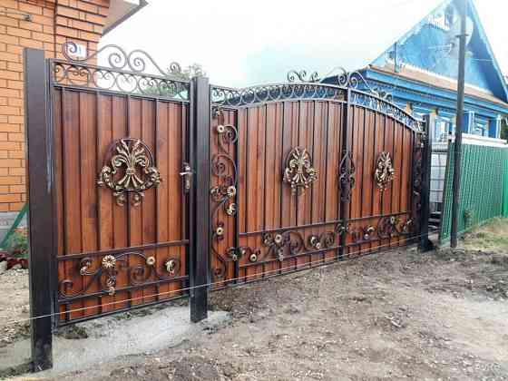 Изготовление металлических ворот, решеток, навесов, заборов, дверей и других изделий в Кривом Роге Кривий Ріг